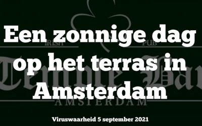 Maatschappij, 05-09-2021, Op een zonnige dag op een terras in Amsterdam